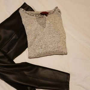 Light weight sweater with keyhole chest